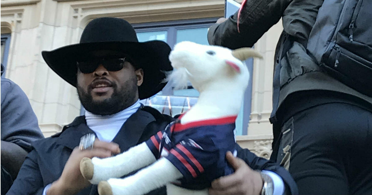 Did You See This Stuffed Toy Goat At The Patriots Parade? It's Missing