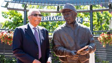 ya girl Cheron - Baseball trailblazer Frank Robinson is dead at 83.