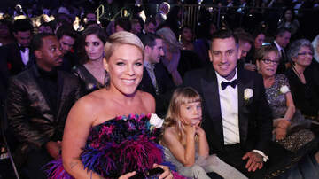 iHeartRadio Spotlight - Pink's Daughter Gives Her Homemade Award After Grammys Loss