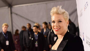 Carolyn McArdle - Pink Didn't Win A Grammy So Her Kids Gave Her A Homemade Award! (PHOTOS)