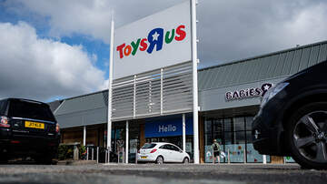 Toby Knapp - TOYS R US: Iconic store could be back for the holidays!