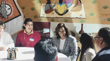 Lady La - Michelle Obama Surprised Arizona Students Ahead Of Her Book Tour Stop