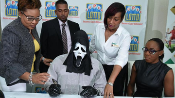 Qui West - Lottery Winner Wears Scream Mask To Hide Identity!