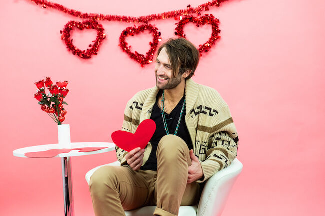 Ryan Hurd gives love advice