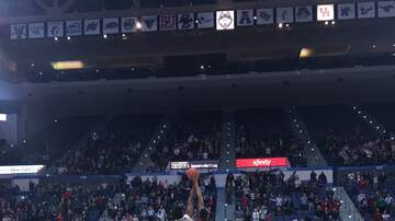 Basketball (M) - UConn Falls to #9 Houston 71-63 at XL Center