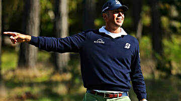 The Herd with Colin Cowherd - Everyone Needs to R-E-L-A-X With Matt Kuchar's 'Caddie-Gate'