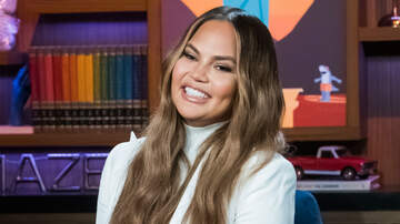 Music News - Chrissy Teigen Reveals Which Celebrities Have Slid Into Her DMs