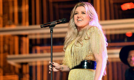 Entertainment News - Kelly Clarkson's Cover Of 'Shallow' Has Us Shook