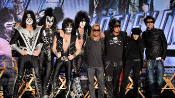 Music News - Nikki Sixx Accuses Kiss Of Stealing Motley Crue's Stage Design!