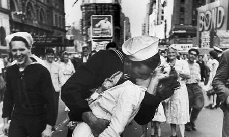 National News - Navy Veteran In Iconic 'Kissing Sailor' World War II Photo Has Died
