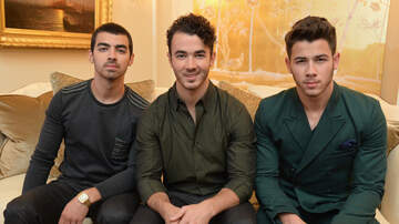 Crystal Rosas - Jonas Brothers Plan Reunion Nearly 6 Years After Split