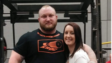 Scott and Sadie - A Professional Powerlifter Pushed an SUV Off a Guy...