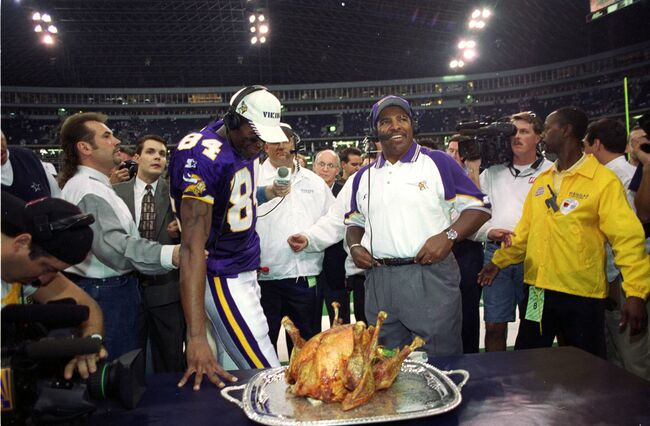 "Vikings vs Eagles ""pretty likely"" to be in MN on Thanksgiving Day [REPORT]"
