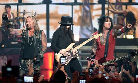 Rock News - Netflix Reveals Trailer For Mötley Crüe Biopic 'The Dirt'