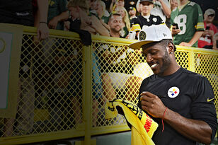 Packers Need to Go After Antonio Brown