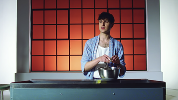 Trending - Ezra Koenig Makes Mandala-Shaped Pancakes In Harmony Hall Video: Watch
