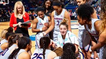 Basketball (W) - #3 UConn Rout Memphis 102-45