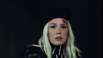 Entertainment News - Halsey Is An Emo Queen In '11 Minutes' Video