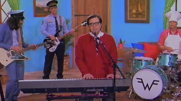 Trending - Weezer Channels Mister Rogers In 'High As A Kite' Video