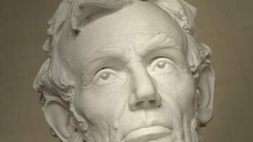 Trending - This Shirtless Abraham Lincoln Statue Has Everyone Blushing