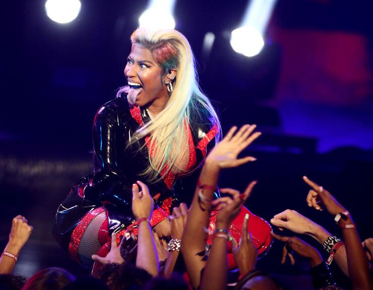 Nicki Minaj Meets Fans After Sudden Show Cancellation