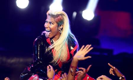 Trending - Nicki Minaj Meets Fans After Sudden Show Cancellation
