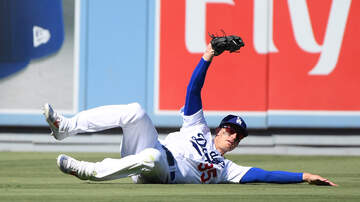 Dodgers Clubhouse - Dodgers Cody Bellinger Talks About Moving To Right Field