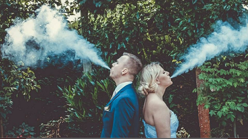 Colt - Sooo Vaping in Your Wedding Photos Is the New Trend?