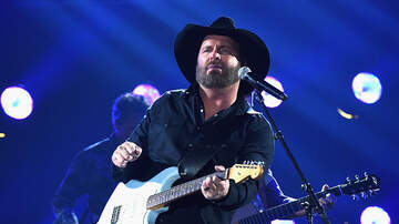 Amy Paige - Garth Brooks Makes a Date With Neyland Stadium in Knoxville