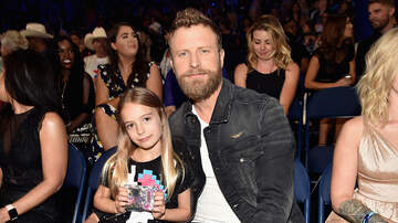 Michelle Buckles - Watch: Dierks Bentley Performs Travelin' Light With His Daughter