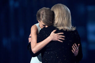 Taylor Swift's Mom's Cancer Has Returned