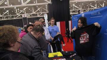 Photos - Duji with Honda at the Cleveland Auto Show Saturday March 2nd