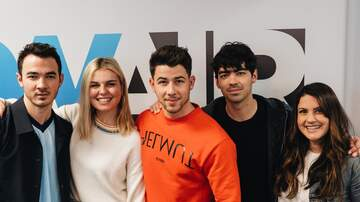 Ryan Seacrest - The Jonas Brothers Dish on Reuniting, Getting Married, Their Docu and More!