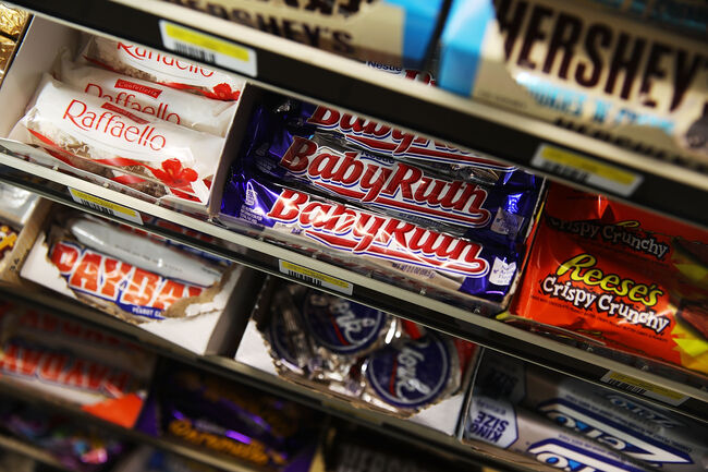 Nutritionists Reveal Which Popular Candy Bars Are Healthiest