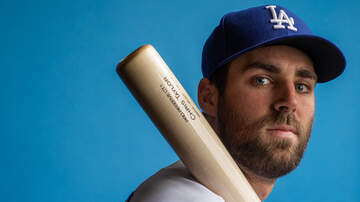 Dodgers Clubhouse - Chris Taylor On The Difference Between Playing Shortstop And Second Base