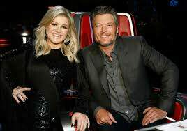 Val Hart - WATCH KELLY CLARKSON ON POINT IMPRESSION OF BLAKE SHELTON. YOU'LL BE AMAZED
