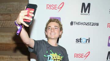 Maxwell - Selfie Kid's Top Seven Selfies