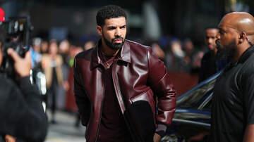 Carmen Contreras - Watch! Drake Caught Fans Bra & Keeps Performing!