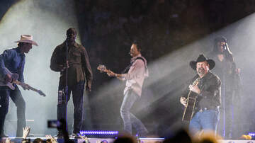 Photos - Garth Brooks in St Louis