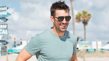 Dollar Bill - Jake Owen Lands His First Appearance In A Feature Film