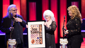 iHeartCountry - 5 Photos From Trisha Yearwood's Opry Member Anniversary Show