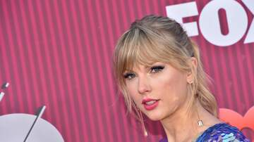 iHeartRadio Music Awards - Taylor Swift Rocks Pink Hair, Butterfly Heels at iHeartRadio Music Awards