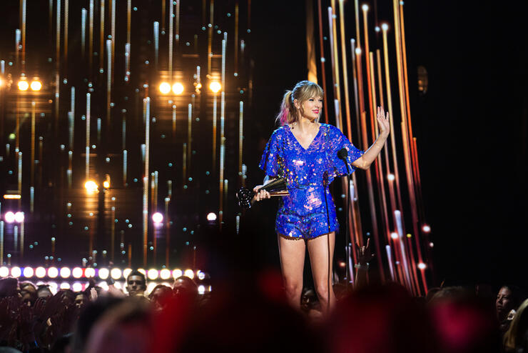 Taylor Swift Credits Fans For Tour Success at 2019