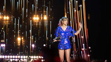 Entertainment News - Taylor Swift Credits Fans For Tour Success at 2019 iHeartRadio Music Awards