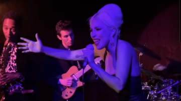 Trending - Lady Gaga Surprises Hollywood Jazz Club With Frank Sinatra Hits: Watch