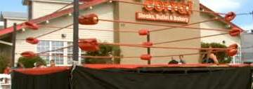 Dino - Alabama Golden Corral Turns Into...A Wrestling Arena??