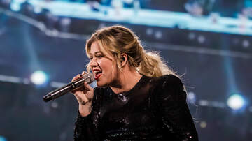 Rock Show Pix - Kelly Clarkson at Mohegan Sun