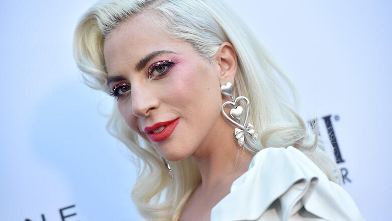 Lady Gaga Goes Classic Hollywood Glam At Fashion Los Angeles Awards