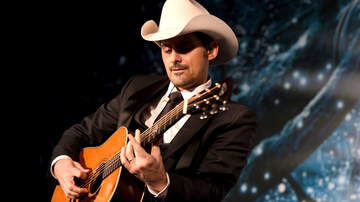 Music News - Brad Paisley Surprises Houston Coffee Shop With Acoustic Show