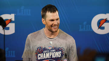 Jesse Lozano - Tom Brady Is Allegedly Charging More Than $1,000 for Autographs
